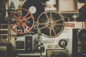 zwiedzanie poznania w weekend – kino poznań